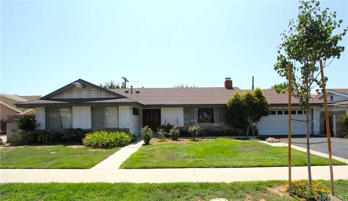 $795,000 - 3Br/3Ba -  for Sale in North Hills