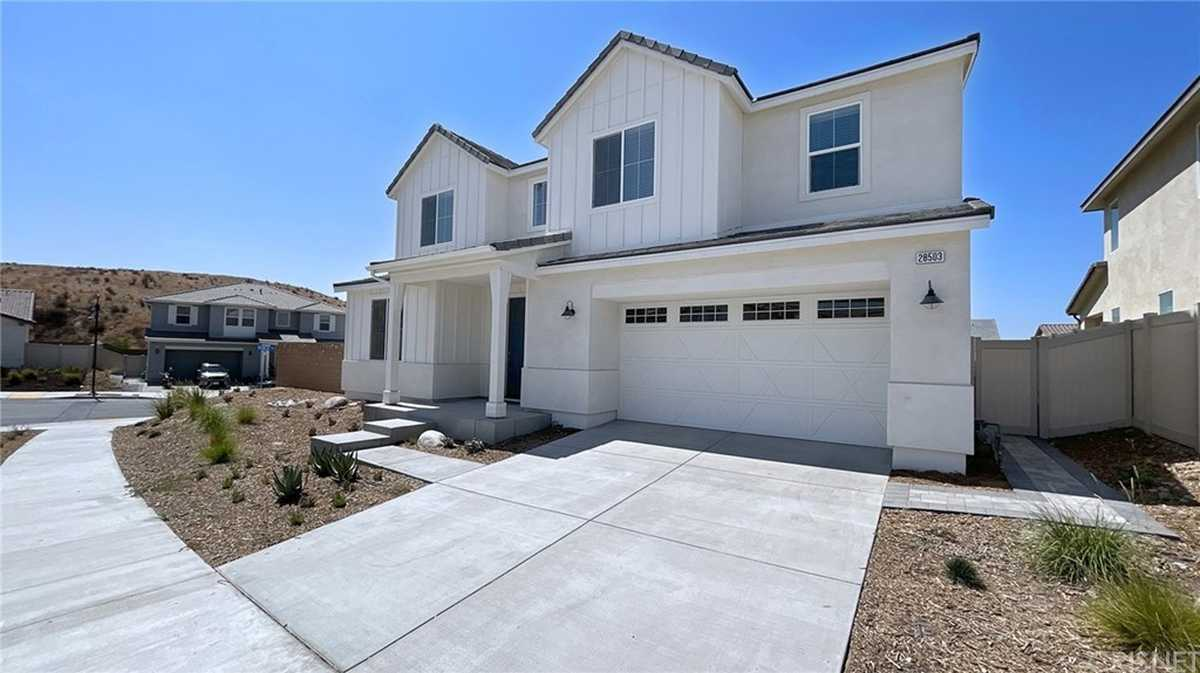 $1,175,000 - 6Br/3Ba -  for Sale in Saugus