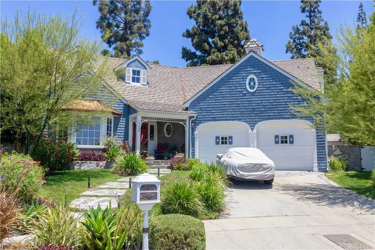 $2,427,500 - 4Br/5Ba -  for Sale in Northridge
