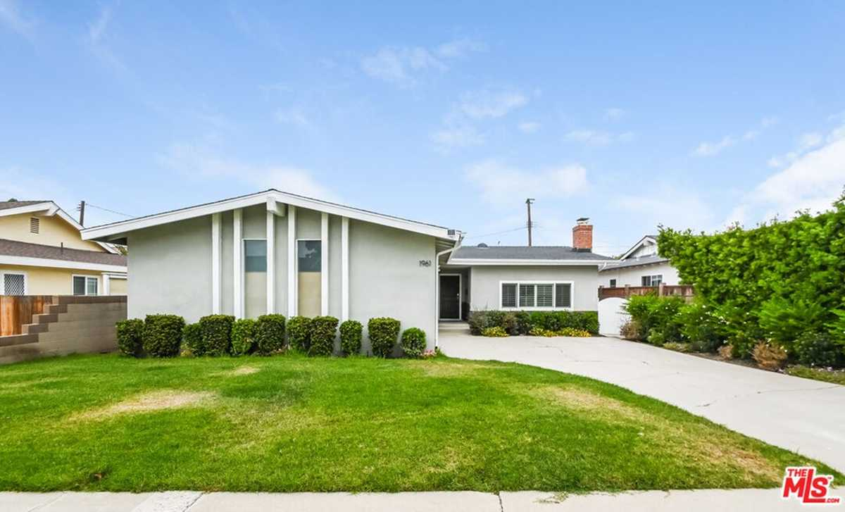 $1,096,000 - 4Br/2Ba -  for Sale in Torrance