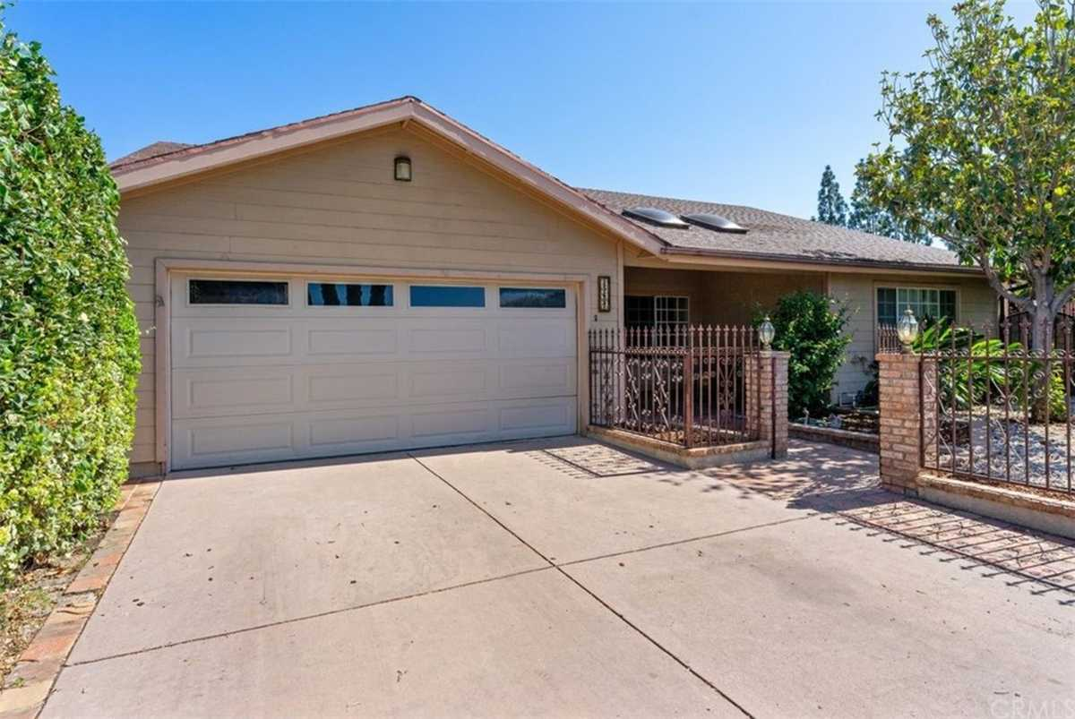 $1,090,000 - 4Br/2Ba -  for Sale in North Hills