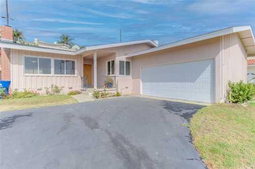 $949,300 - 3Br/2Ba -  for Sale in San Pedro
