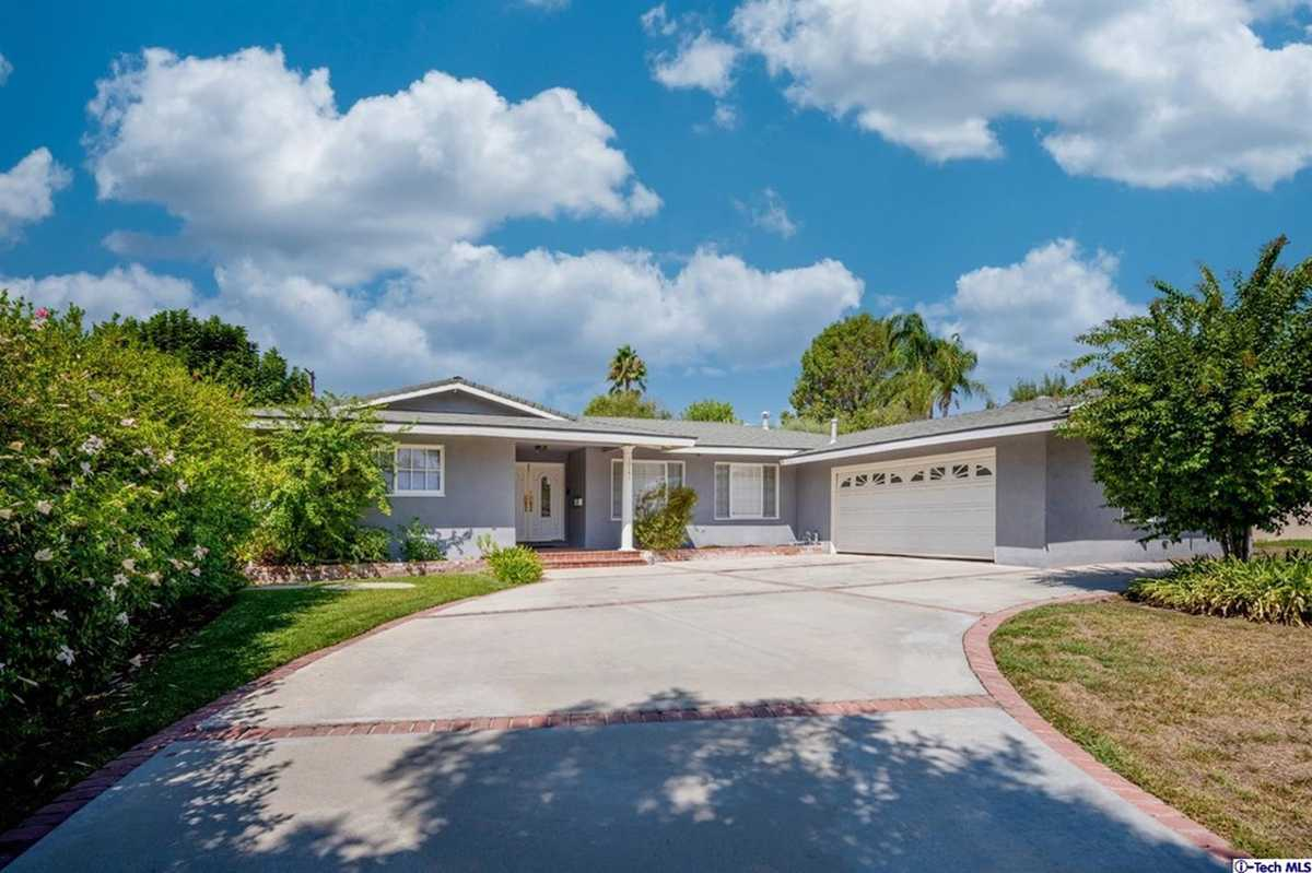 $1,250,000 - 4Br/3Ba -  for Sale in Not Applicable-105, Northridge