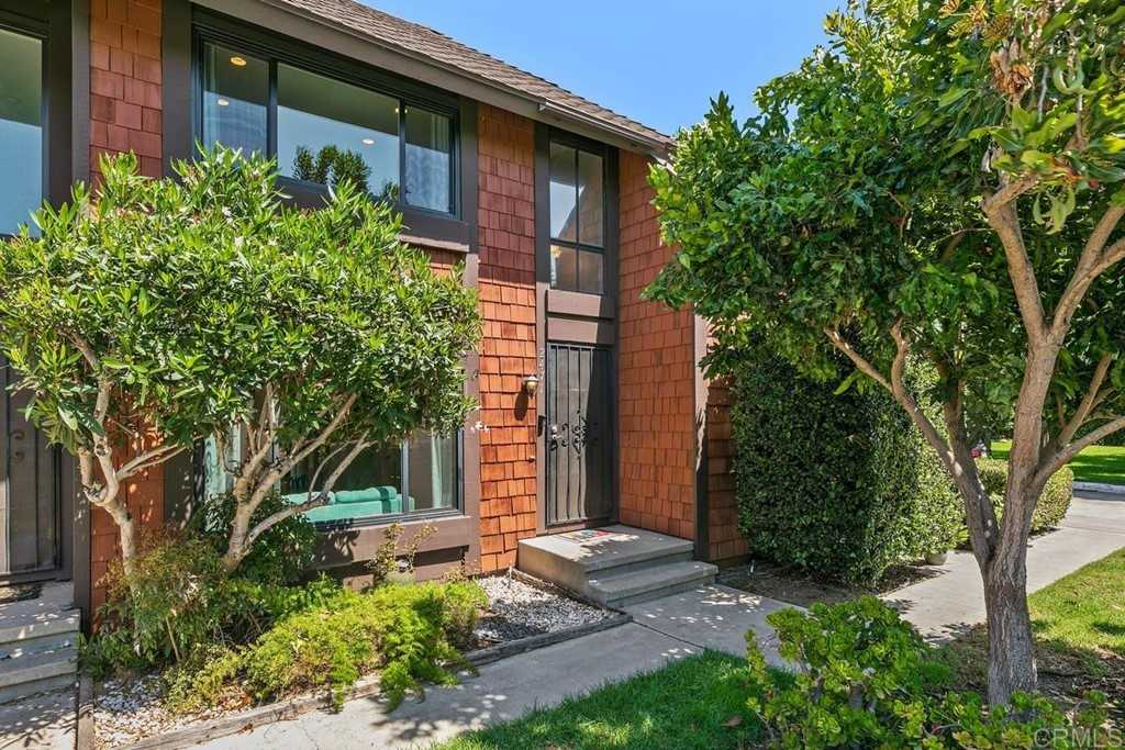 $873,500 - 2Br/3Ba -  for Sale in Cardiff By The Sea