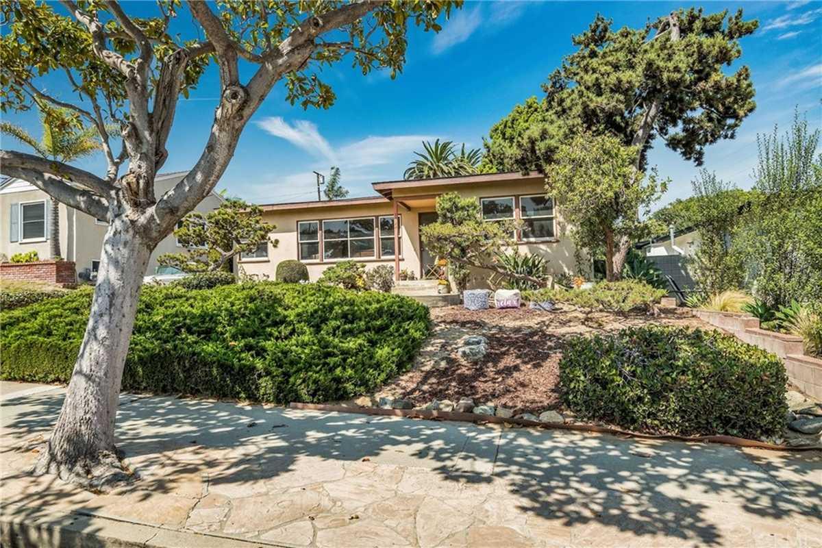 $1,299,999 - 3Br/1Ba -  for Sale in Redondo Beach