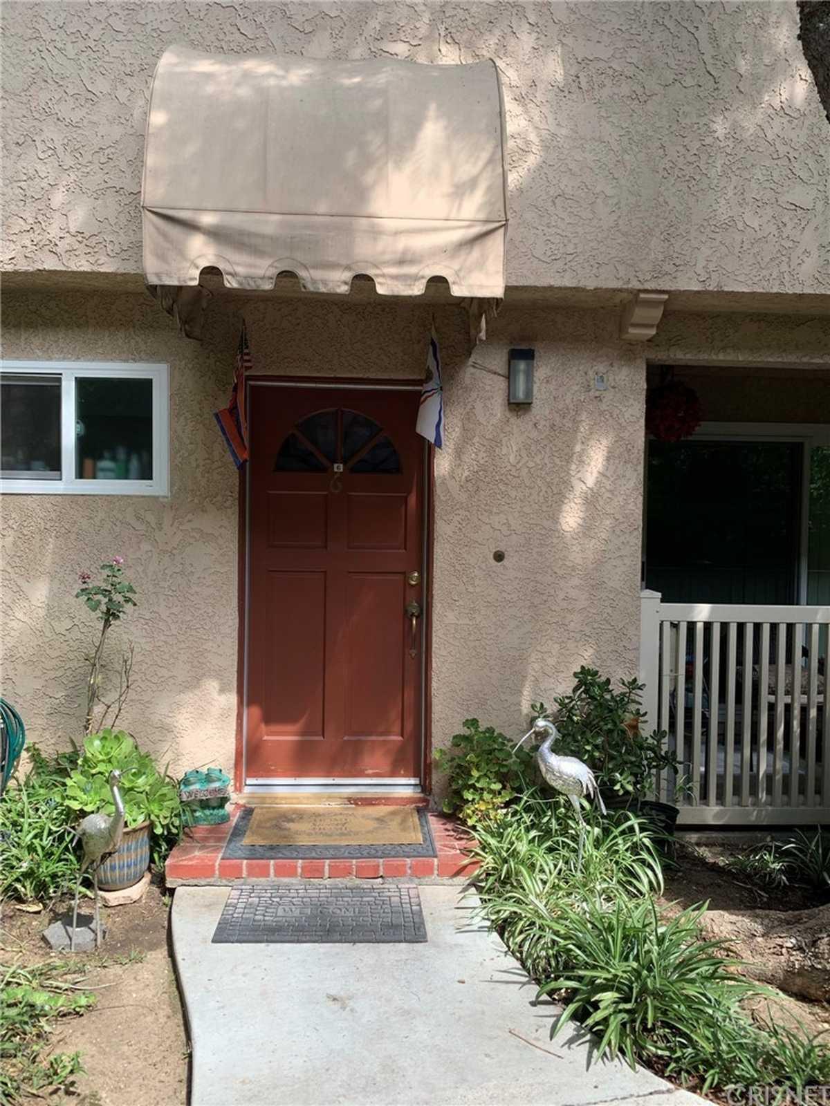 $519,900 - 3Br/2Ba -  for Sale in Northridge