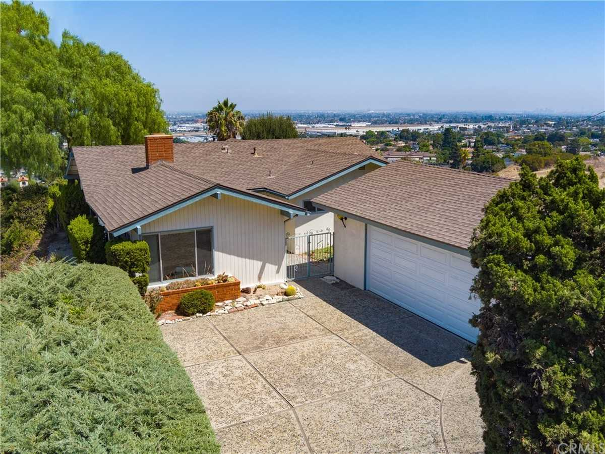 $1,299,000 - 3Br/2Ba -  for Sale in Torrance