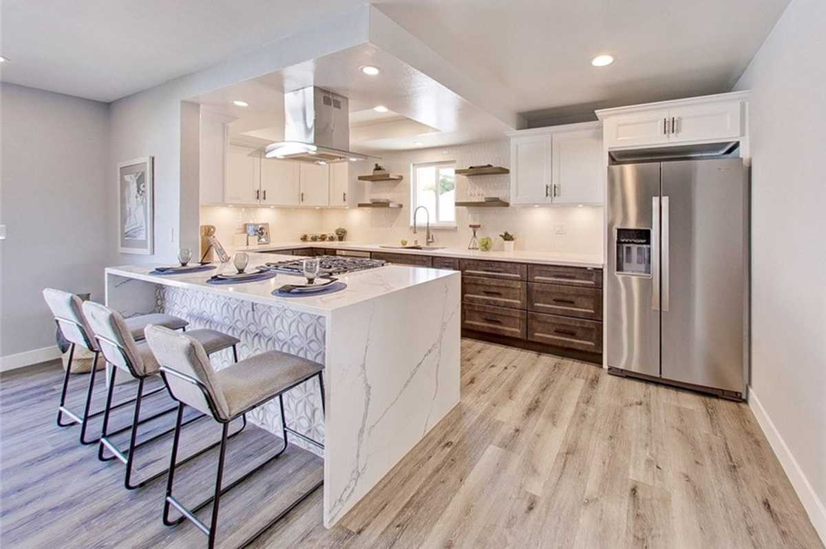$1,100,000 - 4Br/3Ba -  for Sale in Torrance