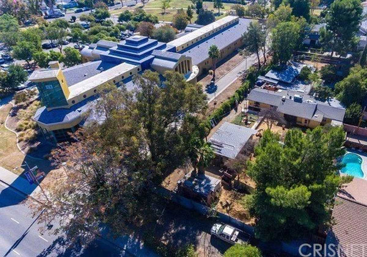 $2,499,999 - 4Br/3Ba -  for Sale in North Hills