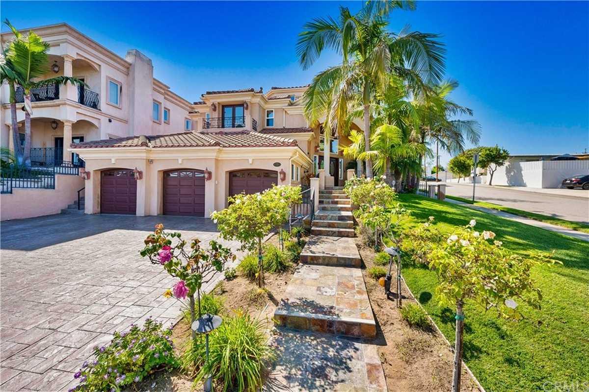 $3,150,000 - 4Br/4Ba -  for Sale in El Segundo