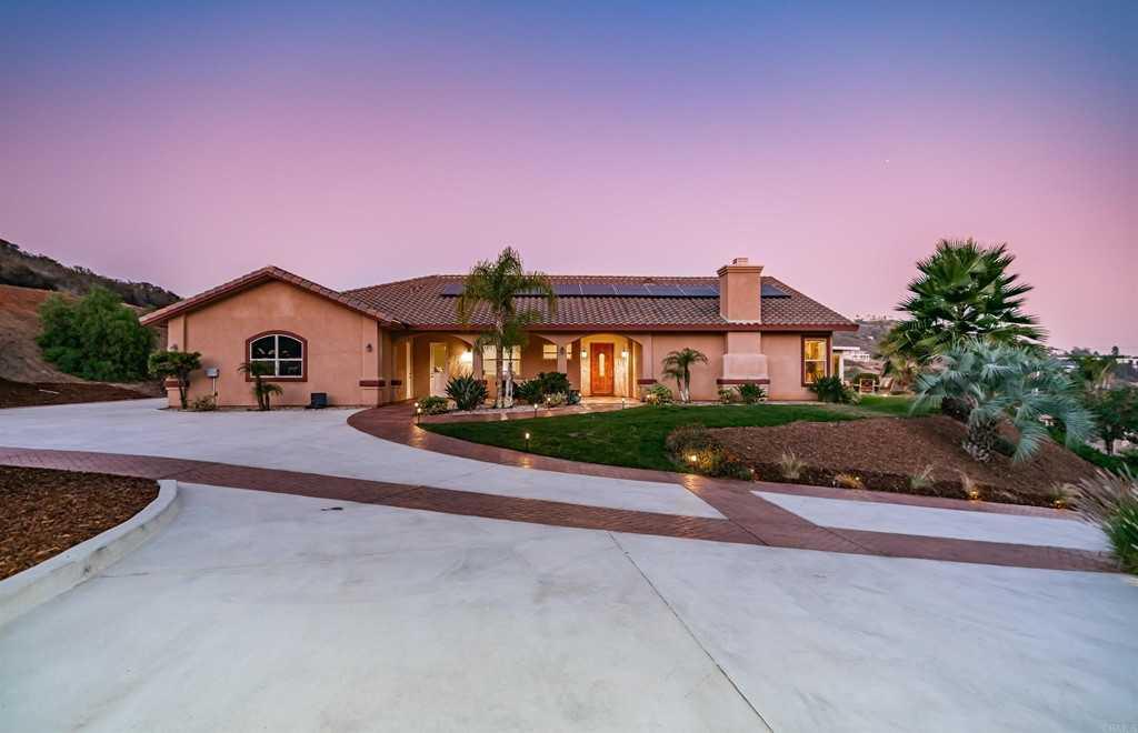 $1,249,000 - 3Br/4Ba -  for Sale in Vista