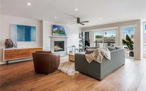 $1,699,000 - 3Br/3Ba -  for Sale in Manhattan Beach