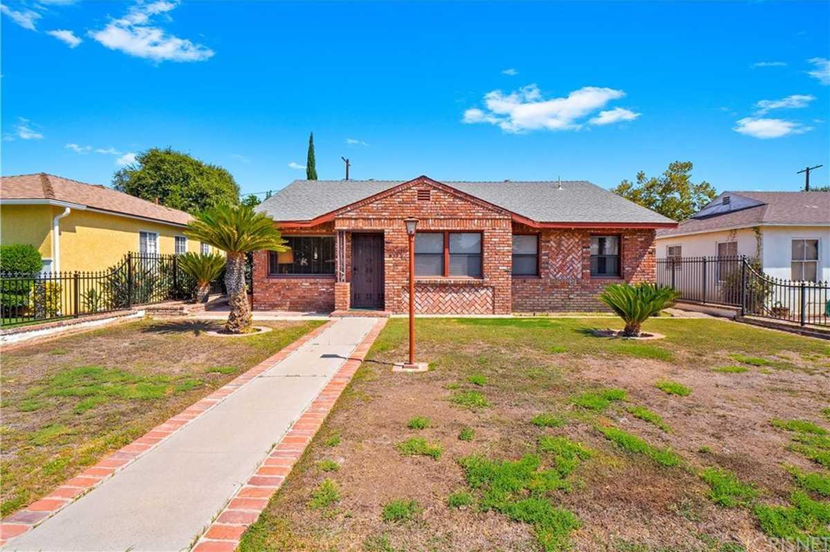 $715,000 - 3Br/2Ba -  for Sale in Northridge