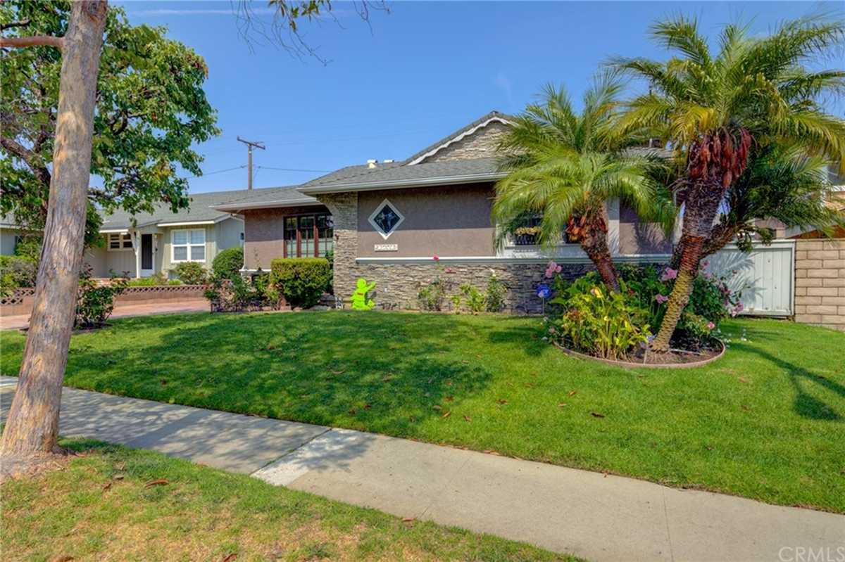 $1,299,998 - 4Br/2Ba -  for Sale in Torrance