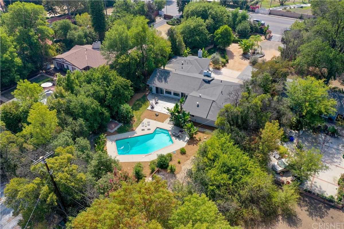 $1,600,000 - 4Br/6Ba -  for Sale in Sherwood Forest