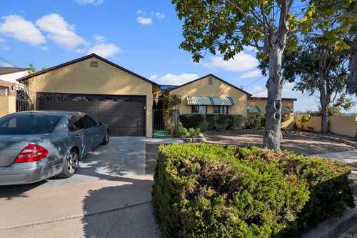 $670,000 - 4Br/3Ba -  for Sale in San Diego
