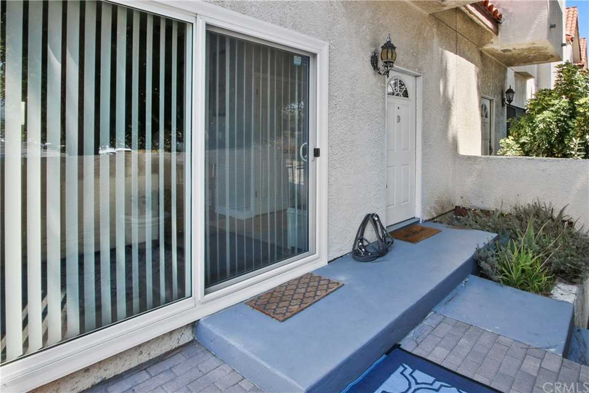 $749,900 - 2Br/3Ba -  for Sale in Torrance
