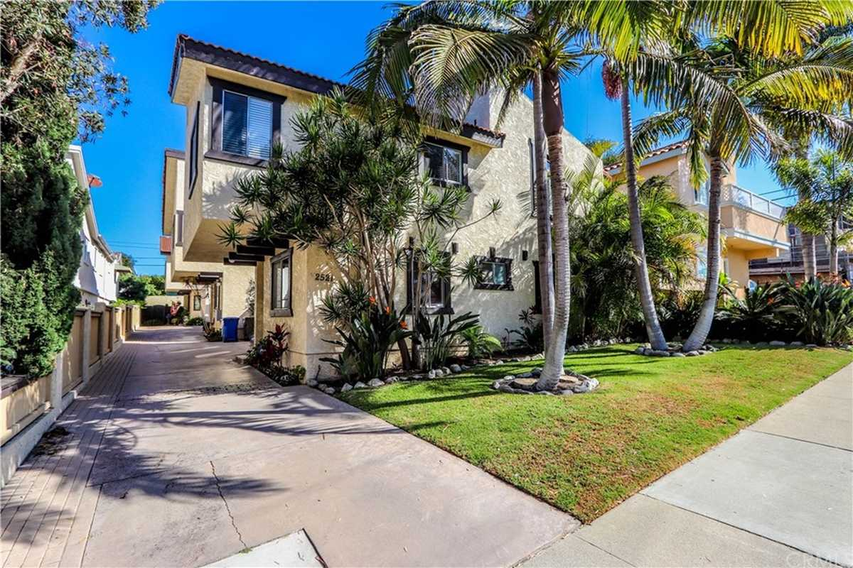 $930,000 - 3Br/2Ba -  for Sale in Redondo Beach
