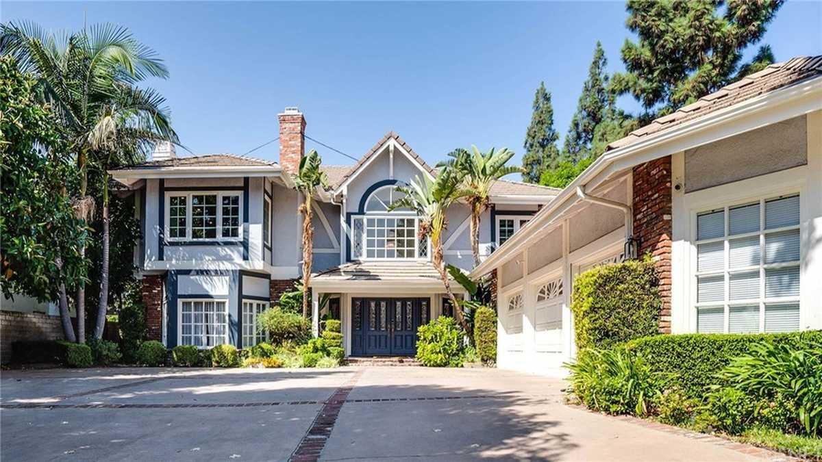 $1,750,000 - 4Br/6Ba -  for Sale in Northridge