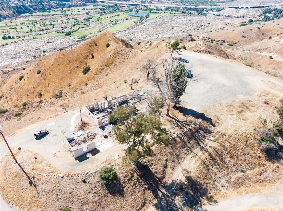 $3,000,000 - Br/Ba -  for Sale in Sunland