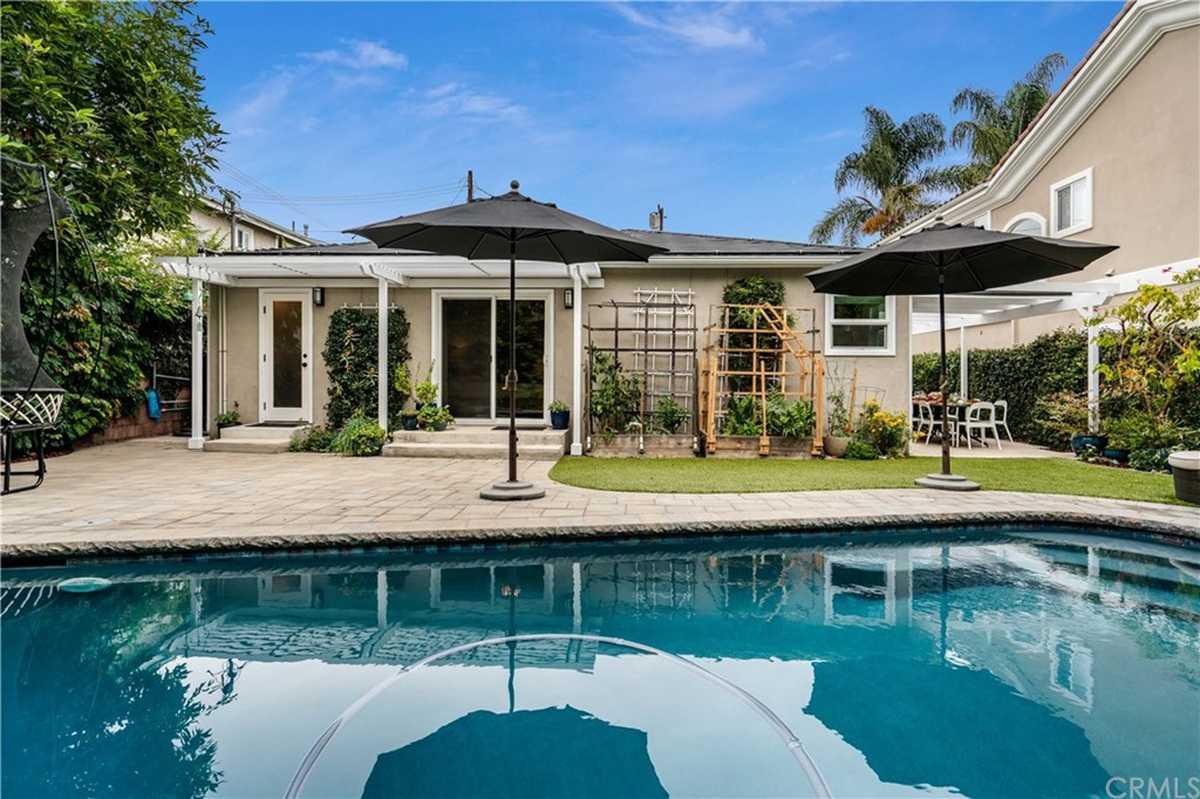 $1,450,000 - 3Br/2Ba -  for Sale in Redondo Beach