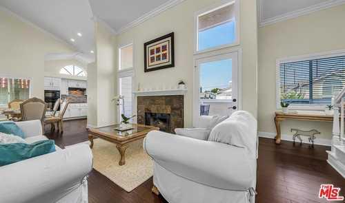 $1,059,000 - 3Br/3Ba -  for Sale in Redondo Beach