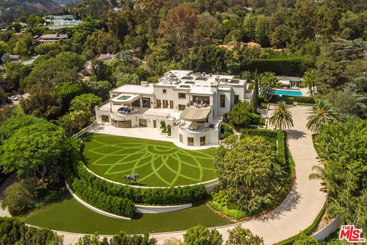 $115,000,000 - 11Br/16Ba -  for Sale in Beverly Hills