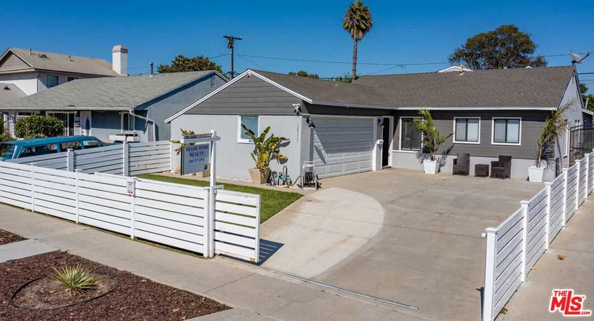 $889,000 - 3Br/2Ba -  for Sale in Hawthorne