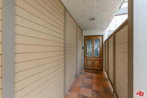 $1,075,000 - 3Br/3Ba -  for Sale in Rolling Hills Estates