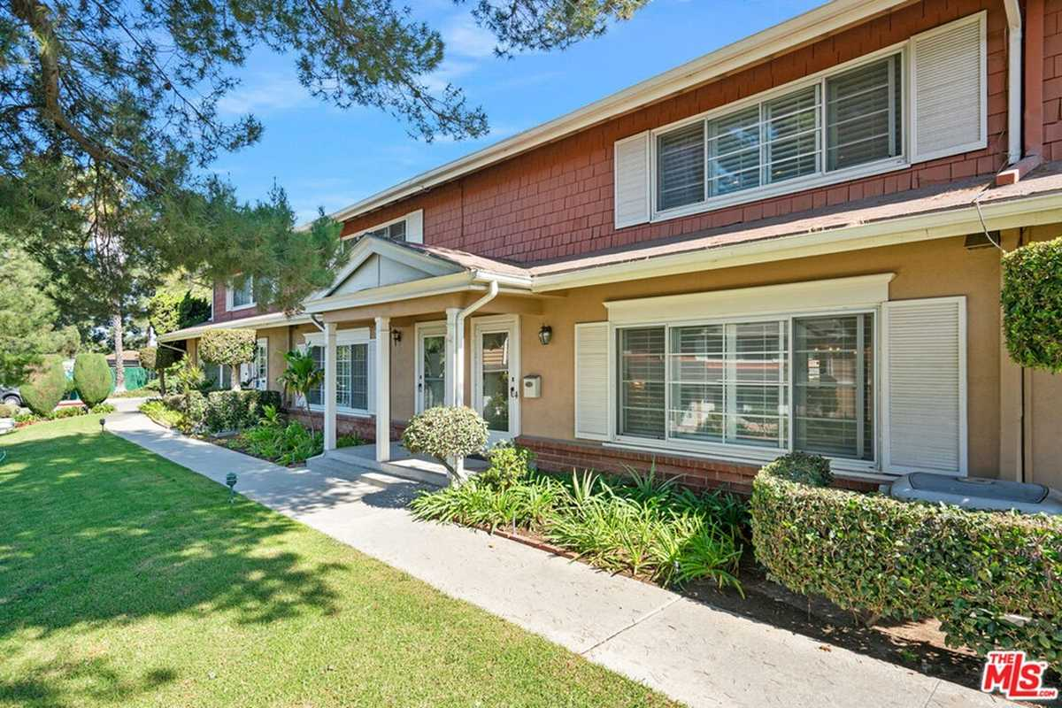 $675,000 - 2Br/3Ba -  for Sale in Inglewood