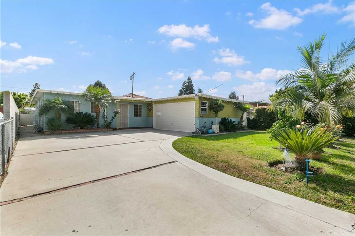 $749,888 - 3Br/2Ba -  for Sale in Hawthorne