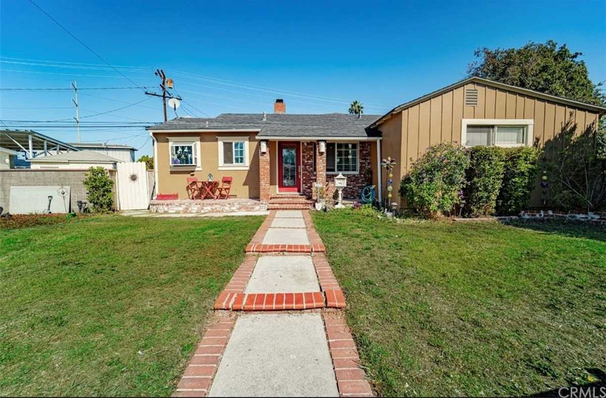 $899,999 - 4Br/2Ba -  for Sale in Torrance