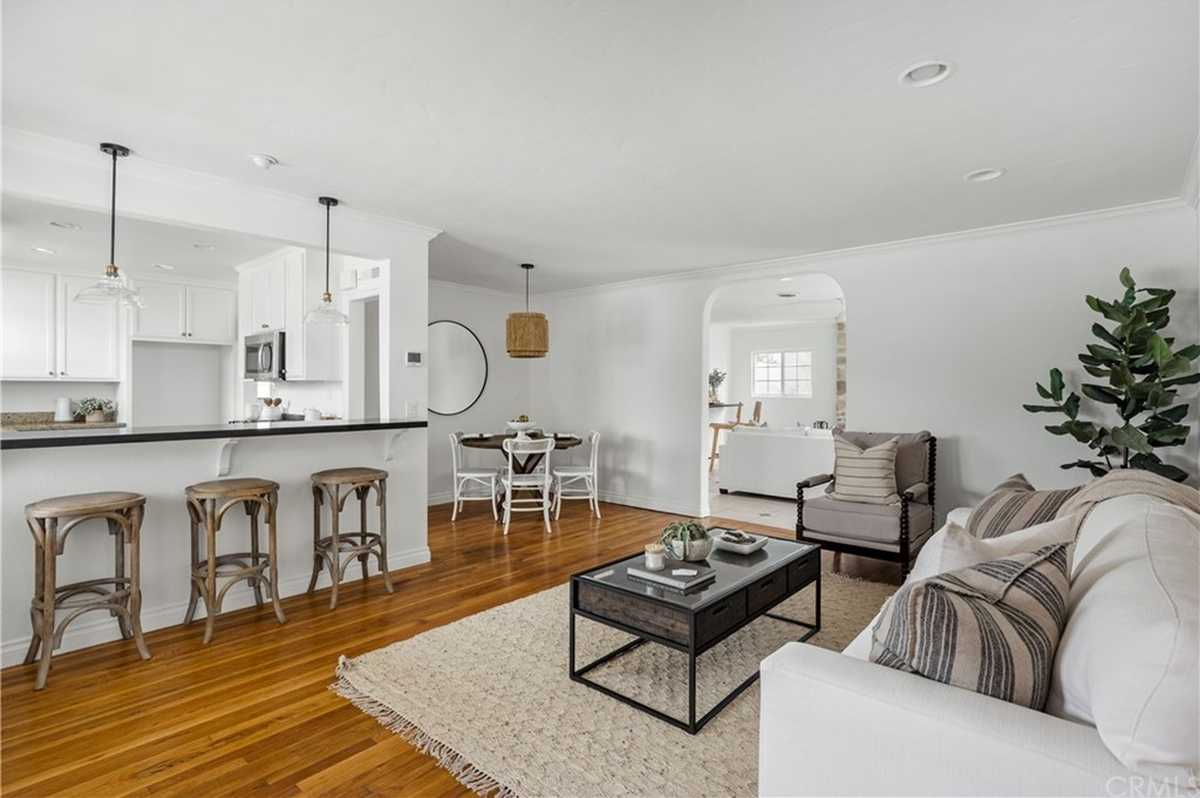 $1,339,000 - 3Br/3Ba -  for Sale in Hawthorne