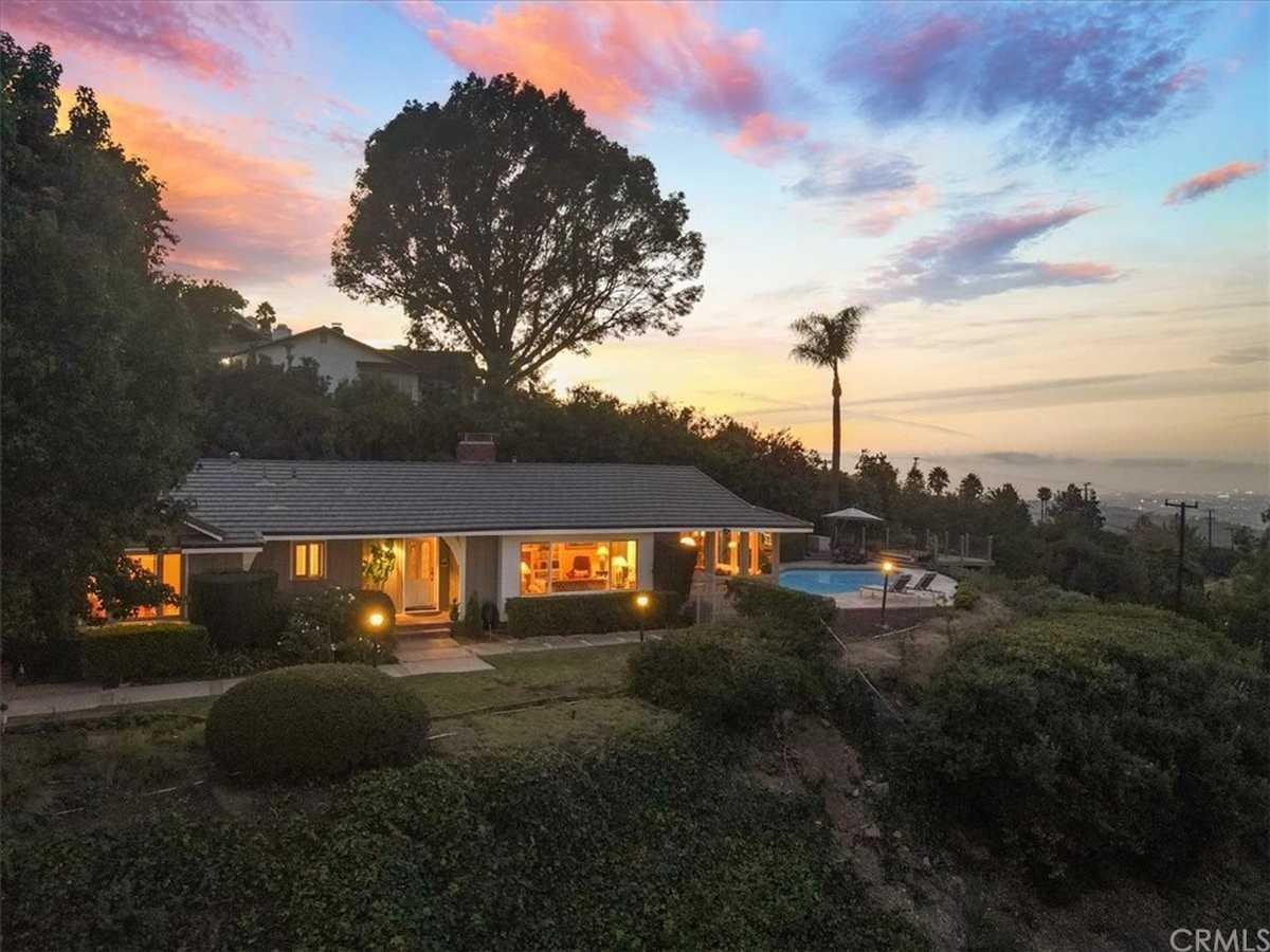 $2,190,000 - 4Br/3Ba -  for Sale in Rancho Palos Verdes