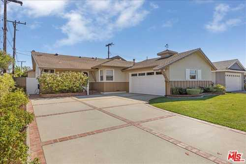 $1,299,999 - 3Br/2Ba -  for Sale in Torrance