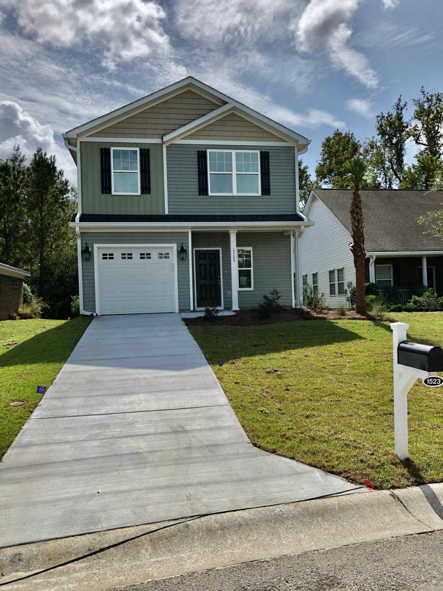 $319,900 - 3Br/3Ba -  for Sale in Fenwick Commons, Johns Island