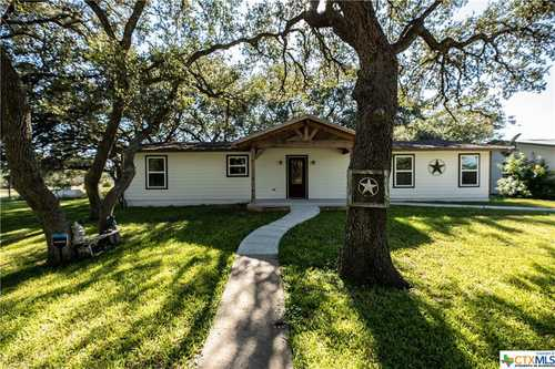 $389,000 - 3Br/2Ba -  for Sale in Goliad