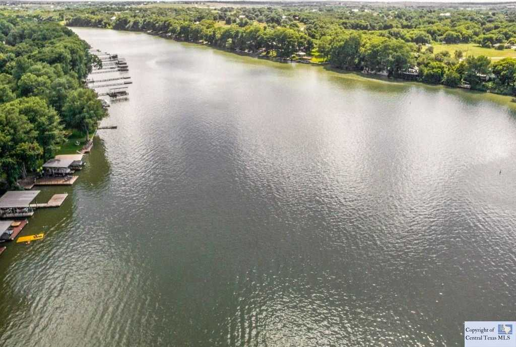 $799,000 - 4Br/3Ba -  for Sale in Town Talk Rancho, New Braunfels
