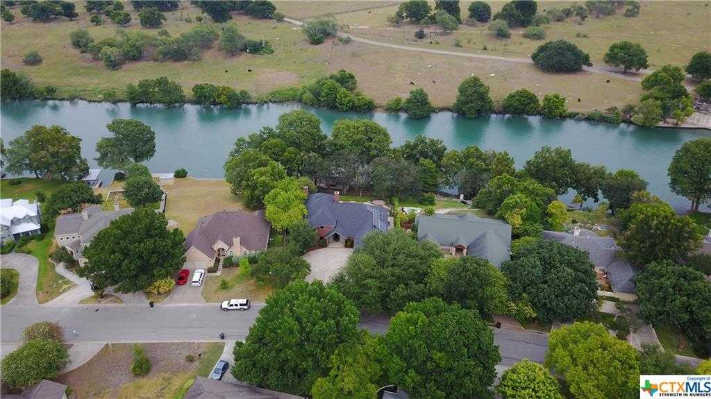 $1,200,000 - 4Br/5Ba -  for Sale in South Bank, New Braunfels
