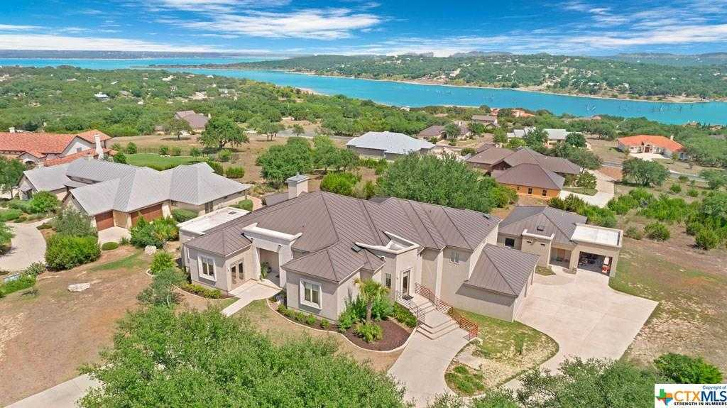 $899,000 - 4Br/5Ba -  for Sale in Canyon Lake