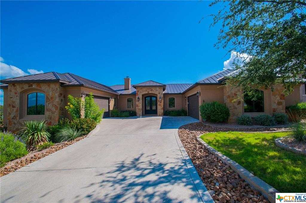 $729,000 - 4Br/4Ba -  for Sale in Canyon Lake