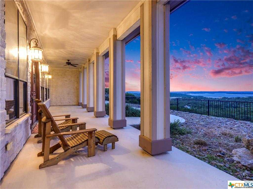 $785,000 - 3Br/3Ba -  for Sale in Canyon Lake