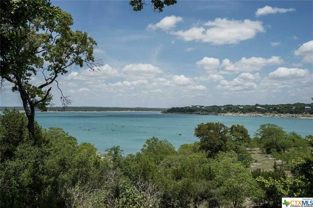 $450,000 - 3Br/2Ba -  for Sale in Canyon Spgs Resort 4, Canyon Lake