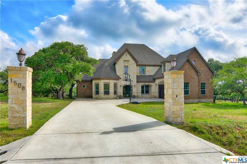 $639,500 - 4Br/4Ba -  for Sale in Rebecca Creek Ranches 1, Canyon Lake