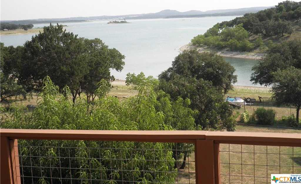 $720,000 - 4Br/3Ba -  for Sale in Oaks 1 The, Canyon Lake