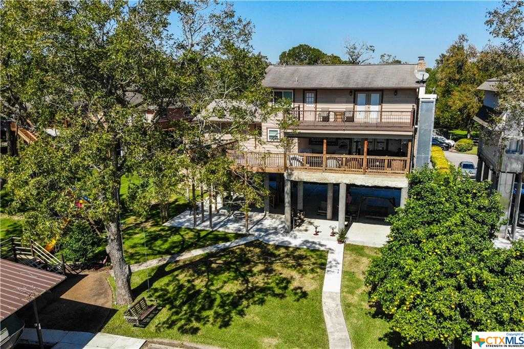 $648,000 - 3Br/3Ba -  for Sale in Pecan Cove #1, Seguin