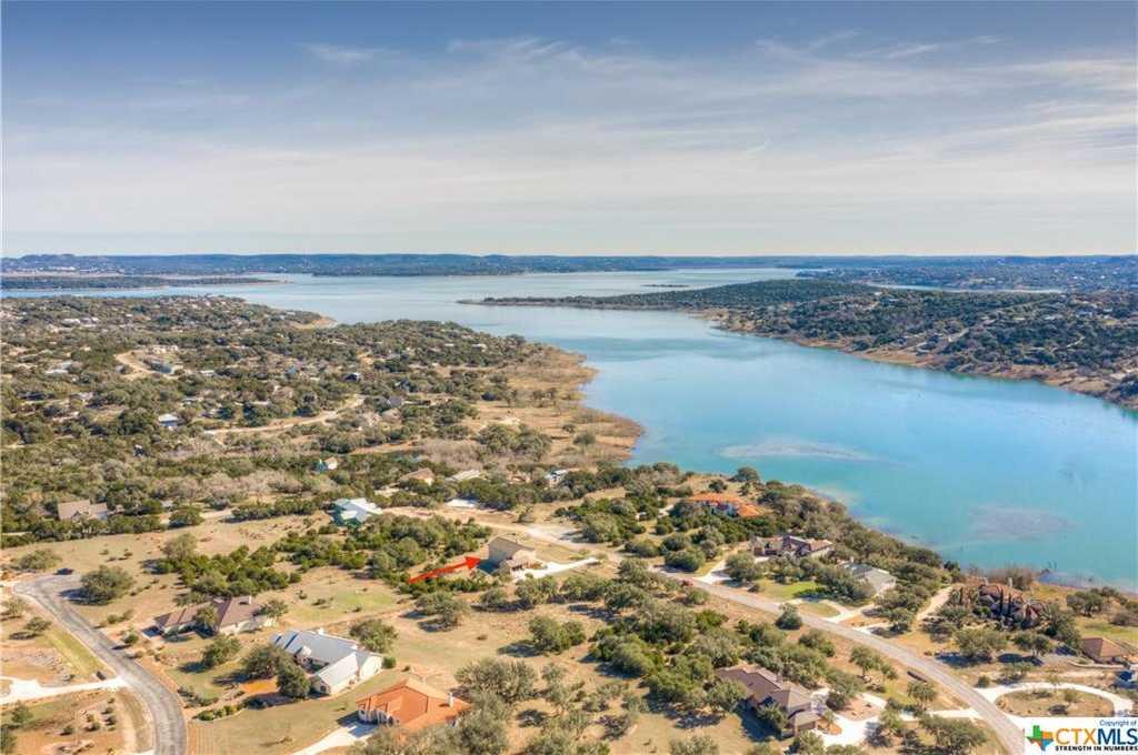$600,000 - 3Br/3Ba -  for Sale in Ensenada Shores Canyon Lake 1, Canyon Lake