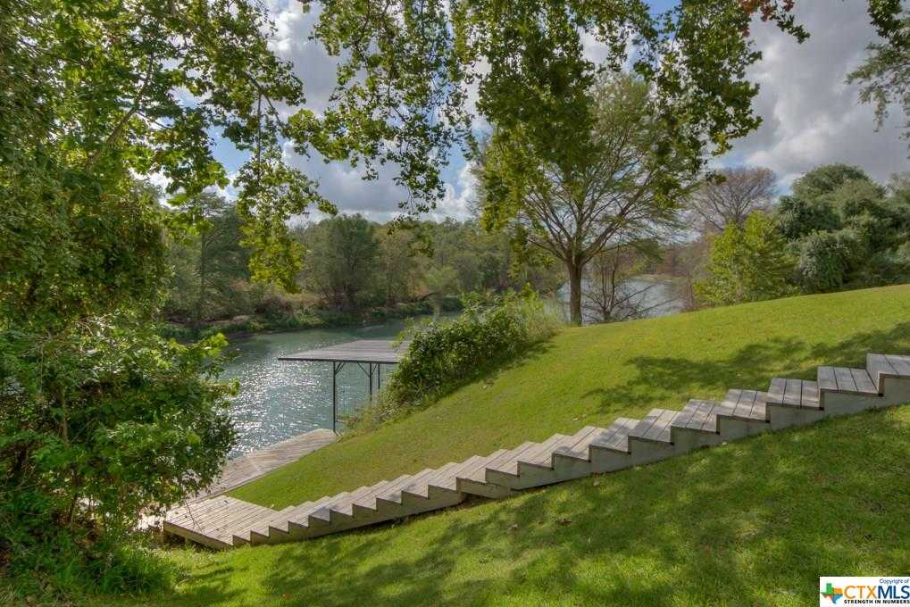 $999,500 - 4Br/3Ba -  for Sale in South Bank, New Braunfels