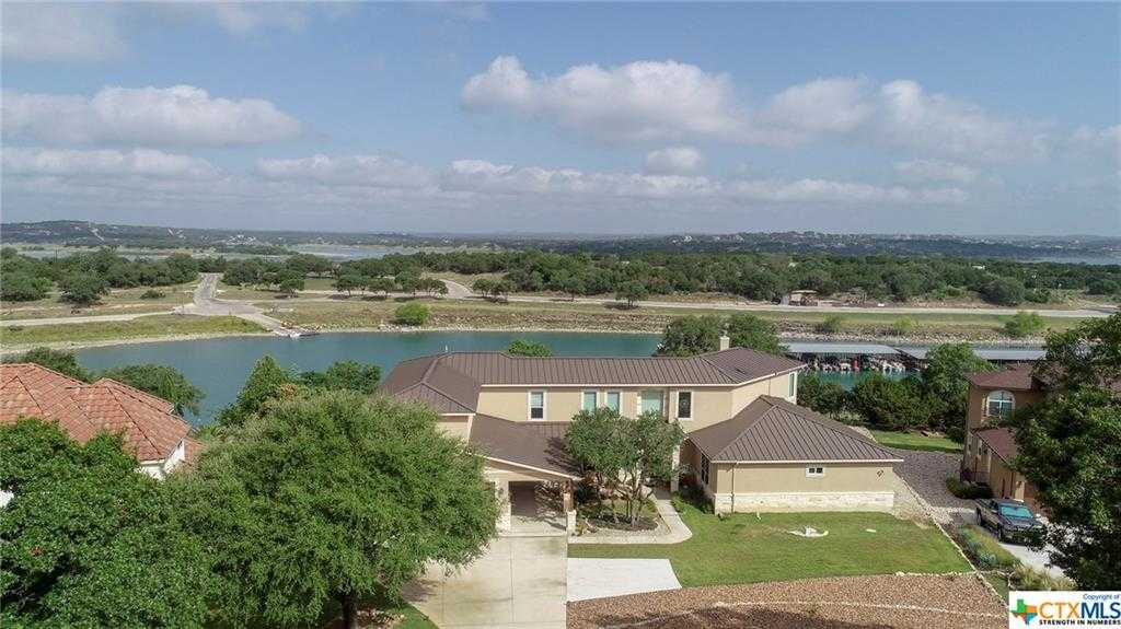 $999,995 - 3Br/3Ba -  for Sale in Kings Cove 1, Canyon Lake