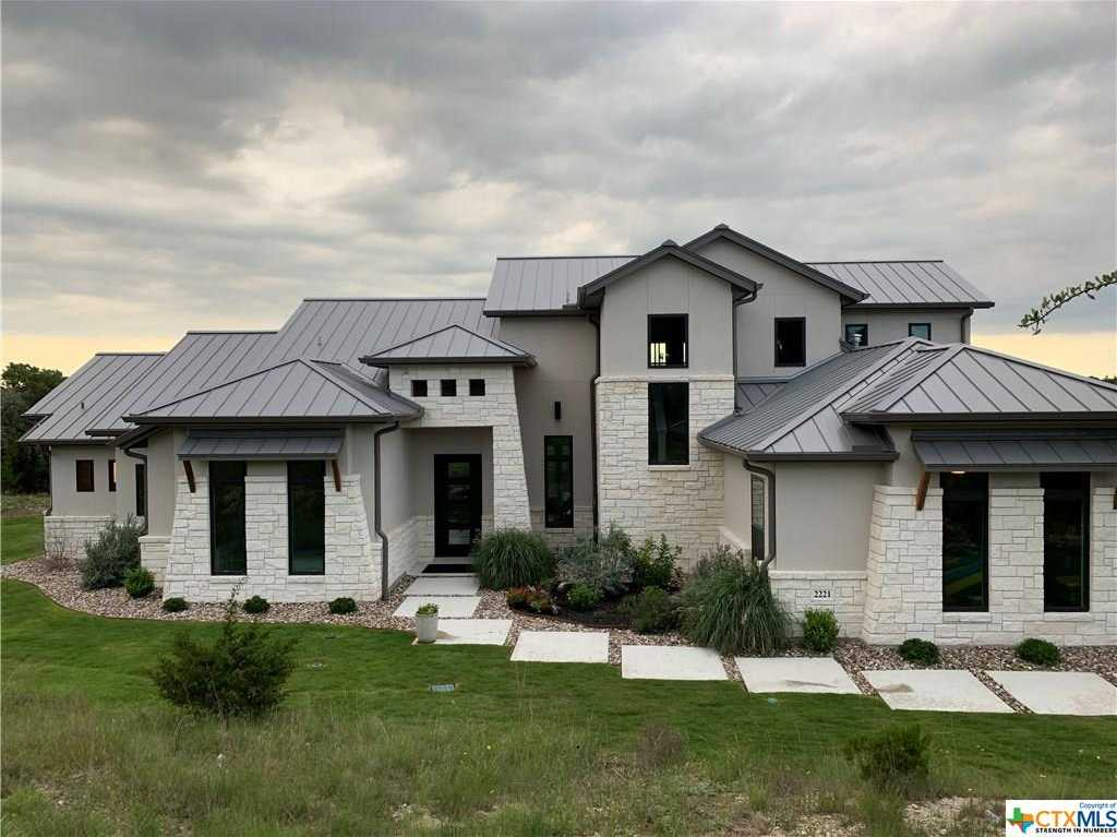 $597,500 - 4Br/4Ba -  for Sale in Mountain Spgs Ranch 2, Canyon Lake